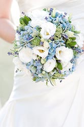 Bouquet in while, blue and purple