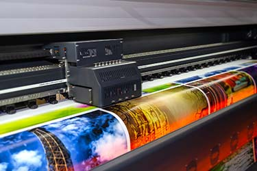 Large format printer creating high quality prints