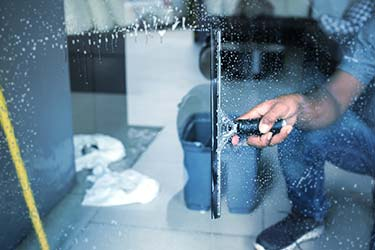 Window clean squeegee